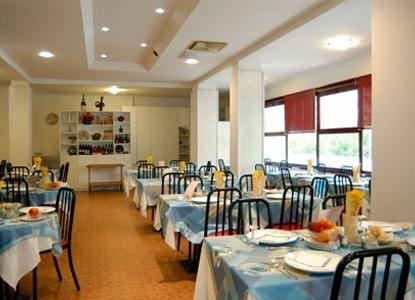 Hotel simon family hotel con piscina gatteo mare italiaabc - Hotel gatteo mare con piscina ...