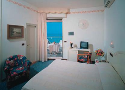 Hotel fenice milano marittima ravenna for Hotel fenice milano