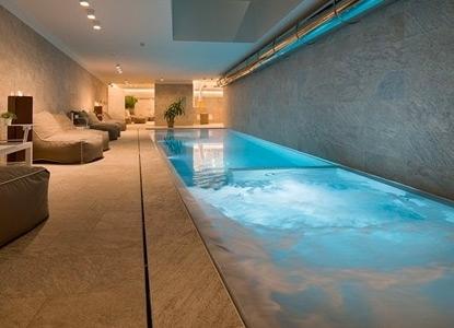 Last minute hotel skipass free hotel sporting livigno 4 stelle offerte italiaabc - Livigno hotel con piscina ...