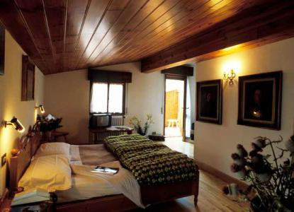 cortina dampezzo senior personals Property for sale in cortina d`ampezzo, italy  we offer for sale a penthouse plus attic in a villa dating back 30's well-kept and full of charm.